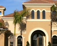 Residencia de Lujo en Florida Sufre Daños por Huracán